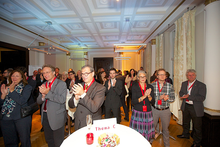 The great moment of Causales Business Club: Cheers for the opening of Causales Business Club, photo: Peter Volmer